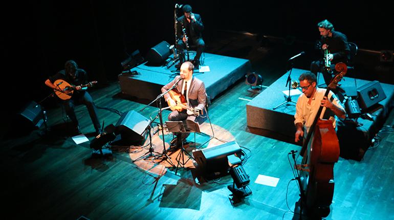 António Zambujo estreia concerto na Marinha Grande