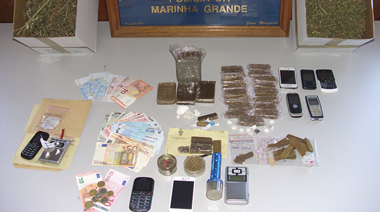Detidos quatro jovens por tráfico de droga